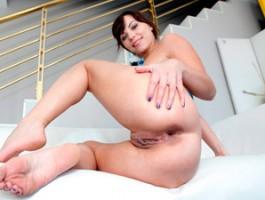 Russian girl enjoys a big dick in her asshole