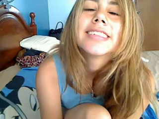 MyFreeCams - Adorable 18-year-old pussy