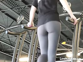 Hidden cam catched magnificent but in tights at the gym