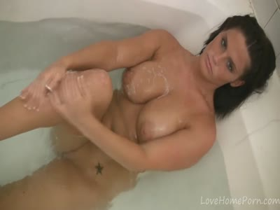 Long bathing session of the curvaceous amateur lady